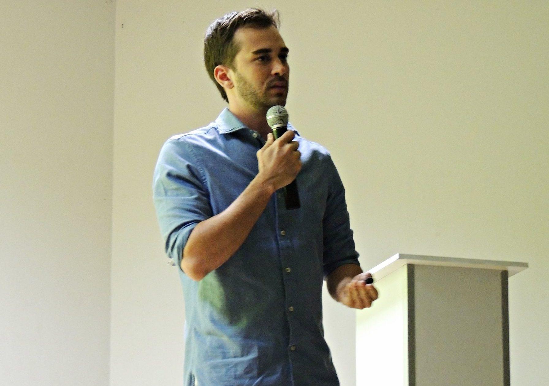 Entrevista: Arthur Paredes, professor e coordenador da IEBS