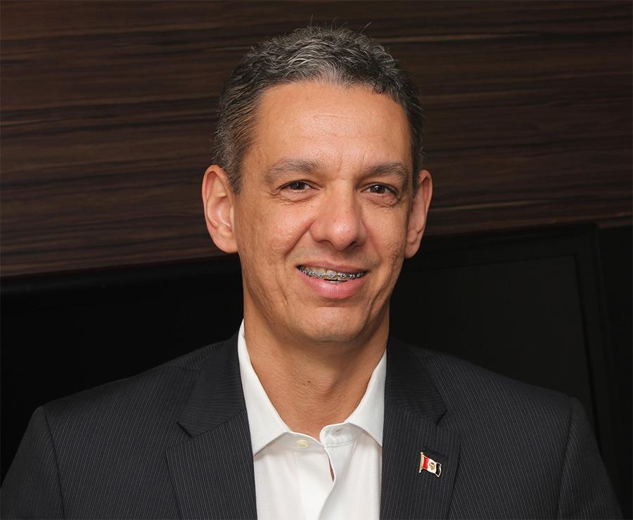 Entrevista: Eduardo Setton, professor da IEBS